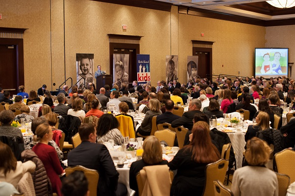 2016 Factbook Breakfast Crowd Picture